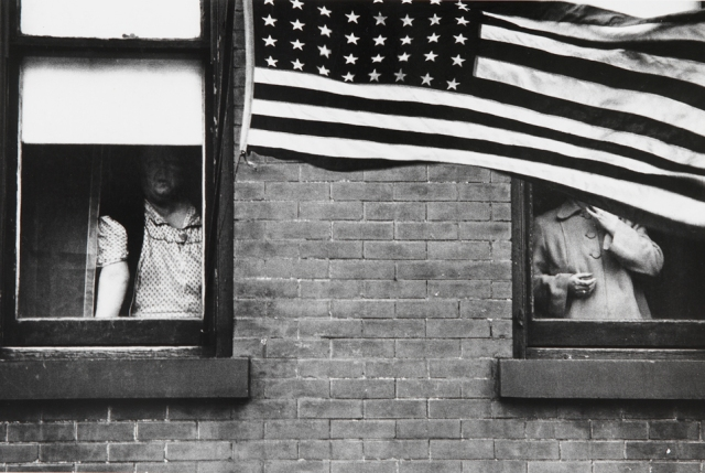 Robert-Frank-Parade-Hoboken-NJ-1955