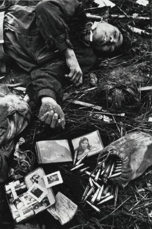 Don McCullin 'Staged body of Vietnamese Soldier'