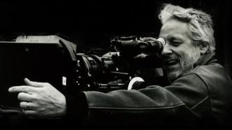 joe-sedelmaier-behind-camera-1-750xx627-353-45-0