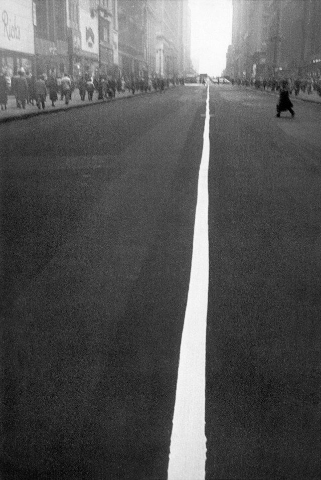 'New York City' Robert Frank, 1951.jpg